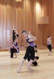女孩小组舞蹈 库存图片