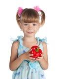 女孩少许胡椒红色甜点 免版税库存照片