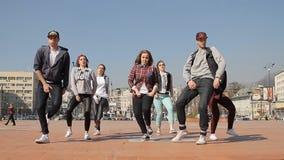 女孩少年Hip Hop舞蹈乘员组 股票录像