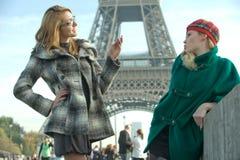 女孩巴黎 免版税库存照片
