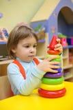 女孩幼稚园一点作用 图库摄影