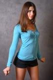 女孩强烈的姿势 免版税库存照片