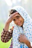 女孩微笑的村庄 图库摄影