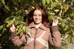 女孩微笑的结构树 库存照片