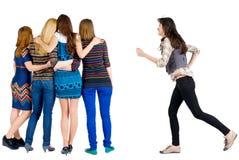 女孩急切连接朋友 免版税图库摄影