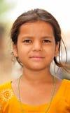 女孩恶劣的纵向村庄 免版税库存照片