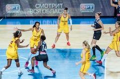 女孩戏剧篮球 库存图片