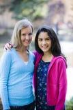女孩户外微笑的非离子活性剂 免版税库存图片