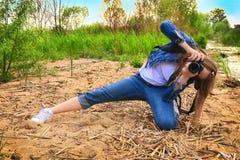女孩摄影师 库存照片