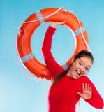 女孩救生员用救援设备 库存图片
