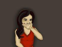 女孩是哭泣的闭合值的嘴用她的手 Portait 免版税库存照片