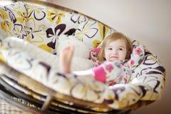 女孩晴朗少许早晨的睡衣 库存图片