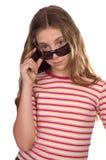 女孩查出太阳镜少年佩带的白色 免版税库存照片