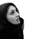 女孩查出的祈祷 免版税库存照片