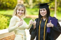 女孩毕业 免版税库存照片