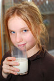 女孩牛奶 库存图片