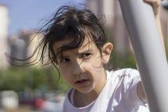 女孩画象展示和明亮 免版税图库摄影