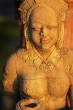 女孩的亚洲雕象 免版税库存图片