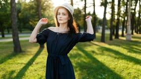 女孩的图象有帽子的 免版税库存图片