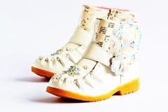女孩的鞋子。 库存照片