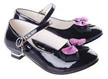 女孩的鞋子背景的 免版税库存照片