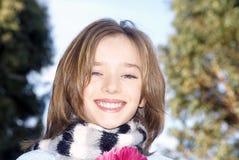 女孩相当微笑的年轻人 库存图片