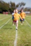 女孩种族体育运动赢取 免版税库存图片