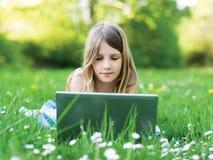 女孩笔记本 免版税库存图片