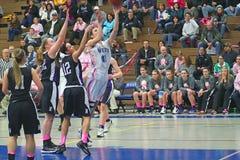 女孩篮球活动 免版税库存图片