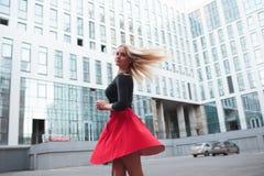女孩红色魅力 免版税图库摄影