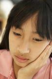 女孩纵向前青少年不快乐 免版税库存图片