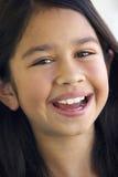 女孩纵向微笑 免版税库存图片