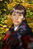 女孩纵向木头的 图库摄影