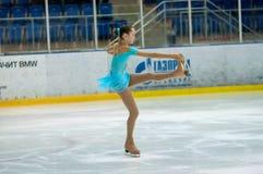 女孩花样滑冰运动员 库存图片