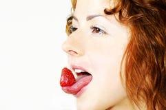女孩草莓 库存照片