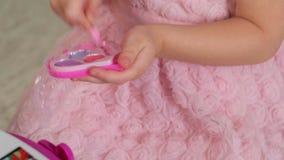 女孩被绘的镜子 股票视频