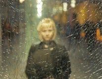 女孩认为残破的玻璃 免版税库存照片