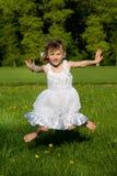 女孩跳本质 图库摄影