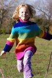 女孩跳绳 免版税图库摄影