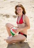 女孩运动的排球 库存照片