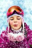 女孩运动装冬天 免版税库存照片