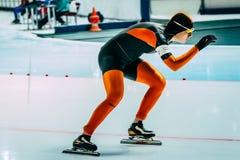 女孩速度溜冰者的特写镜头 库存照片