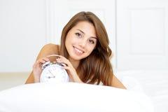女孩醒来 免版税库存图片