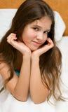 女孩青少年纵向的微笑 库存照片