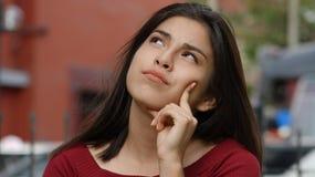 女孩青少年周道 免版税库存照片