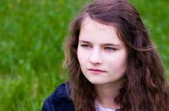 女孩青少年的户外特写镜头 库存照片