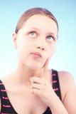 女孩青少年认为 免版税库存照片