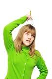 女孩顶头按摩头皮青少年使用 库存照片