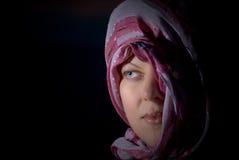 女孩题头她的面纱 免版税库存照片