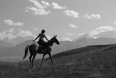 女孩马骑术 免版税库存图片